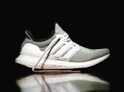 adidas-ultra-boost-glow-in-the-dark-0